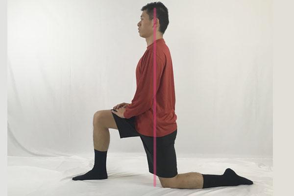片膝をついてた状態で腸腰筋のストレッチ