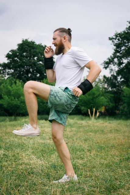 足を持ち上げる働きの腸腰筋