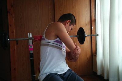 肩の痛みを解消するストレッチ4
