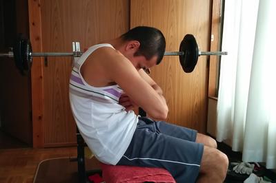 首の痛みの解消ストレッチ4