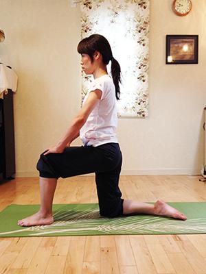 腸腰筋をストレッチして腰痛改善1
