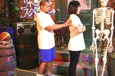 巻き肩矯正ストレッチ方法3