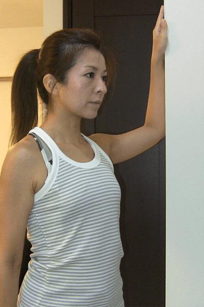 大胸筋のストレッチ3