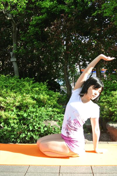 腰のストレッチ方法3