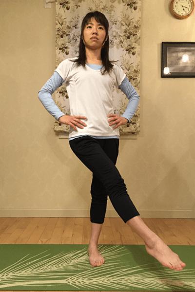 股関節内転・外転筋群/屈曲・伸展筋群のダイナミックストレッチ2