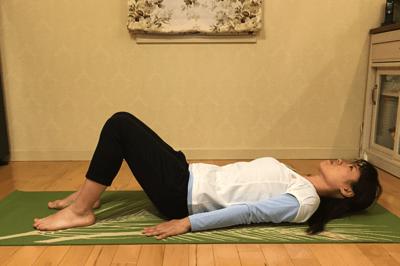 腹部深層筋の安定化+股関節の可動させる腹筋1