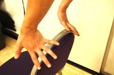 手首の進展ストレッチ3