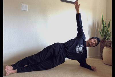 腰痛の改善に役立つ筋トレ:サイドプランク