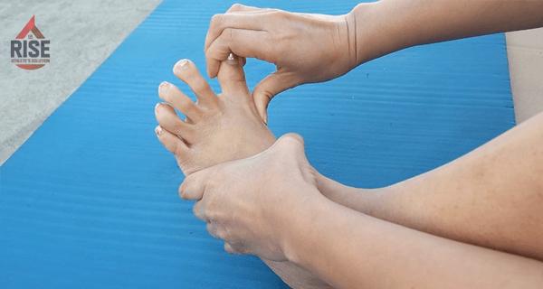 外反母趾の緩和に役立つ親指開き
