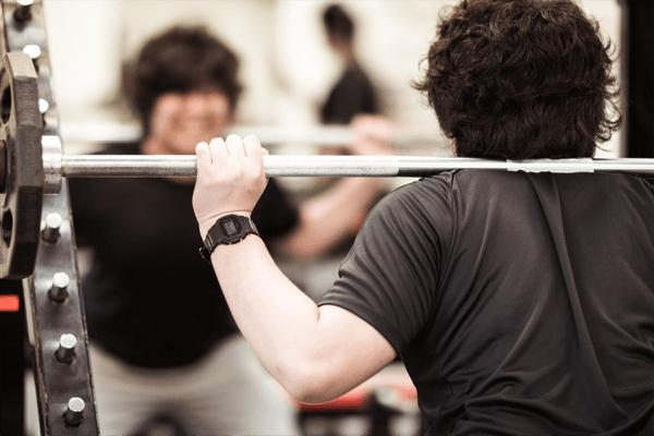 基礎的な筋力も反復横跳びには大切